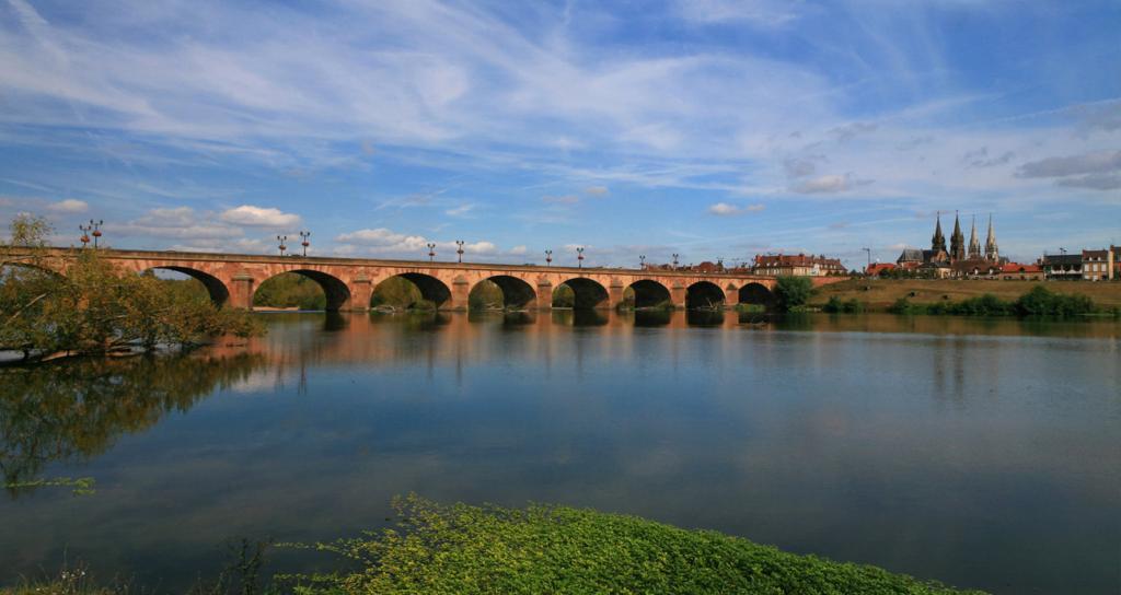 Le Pont de Moulins, France